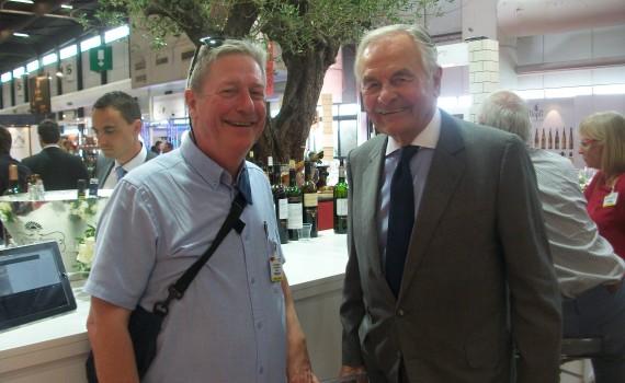 Gérard WERNERT avec Monsieur BERNARD MAGREZ créateur de vins
